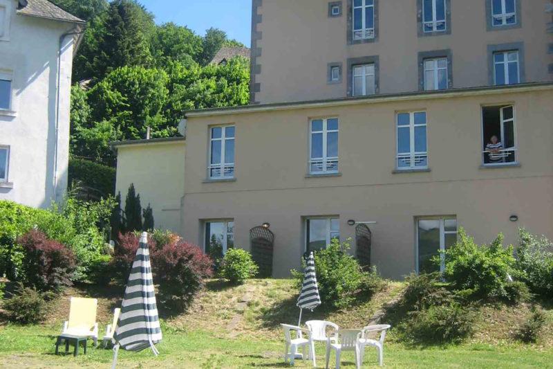 residence-facade-bains